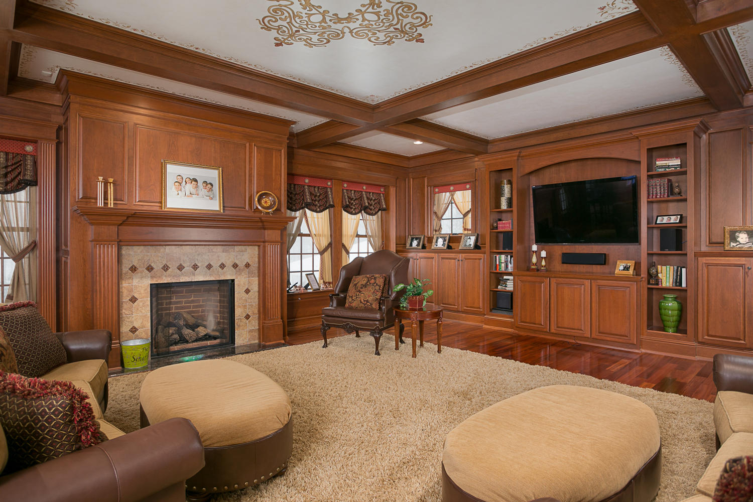 35-redbrick-orchard-park-ny-large-010-9-living-room-1500×1000-72dpi