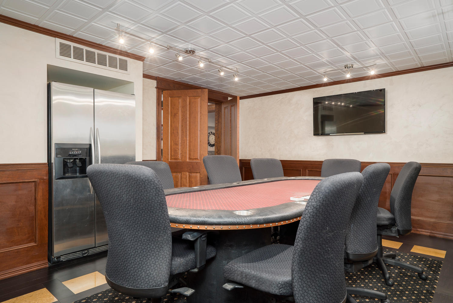 35-redbrick-orchard-park-ny-large-032-46-poker-room-1498×1000-72dpi