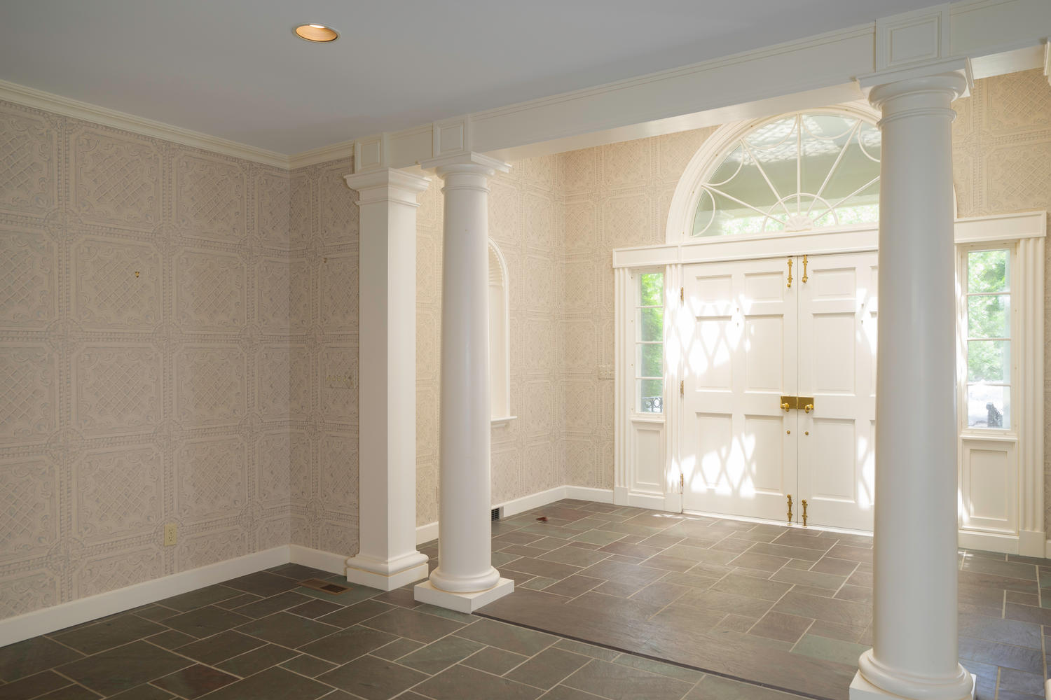1395 Sweet Rd East Aurora NY-large-003-19-Foyer-1500×1000-72dpi