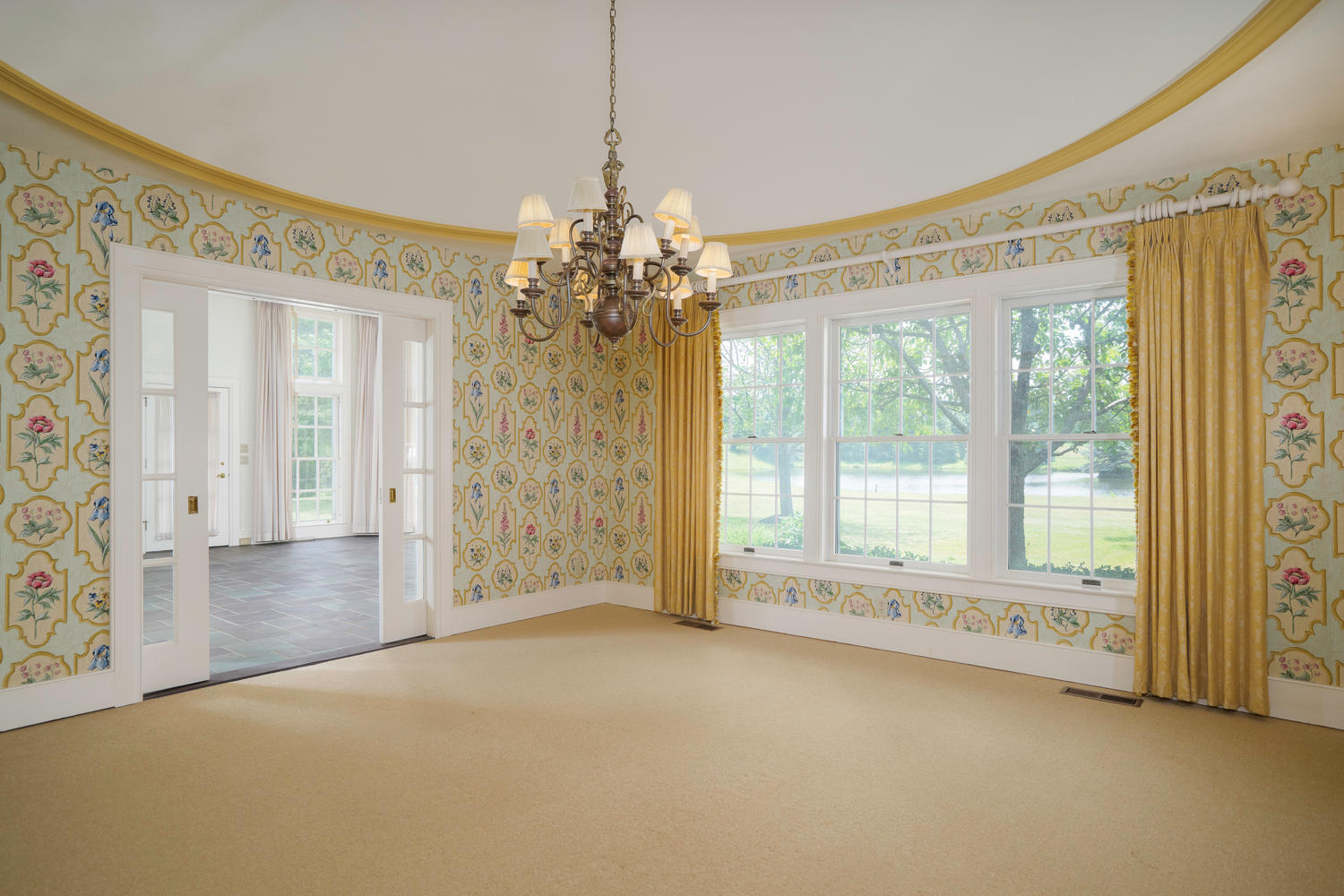 1395 Sweet Rd East Aurora NY-large-007-6-Dining Room-1500×1000-72dpi