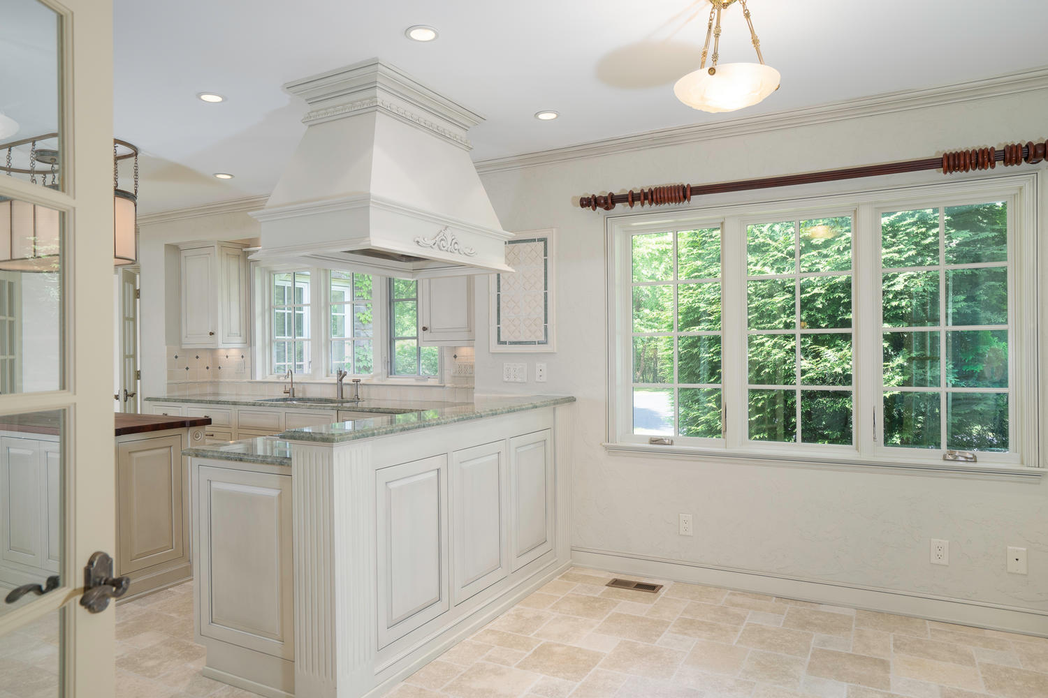 1395 Sweet Rd East Aurora NY-large-015-30-Kitchen-1500×1000-72dpi