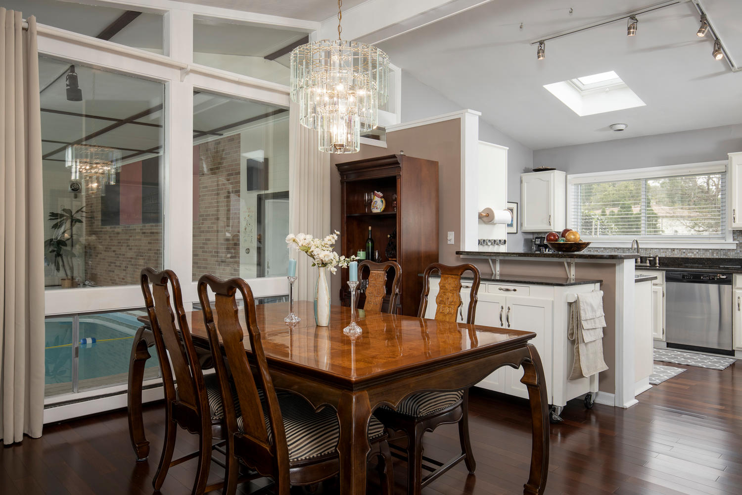 5258 Armor Duells Rd Orchard-large-007-015-Dining Room-1500×1000-72dpi