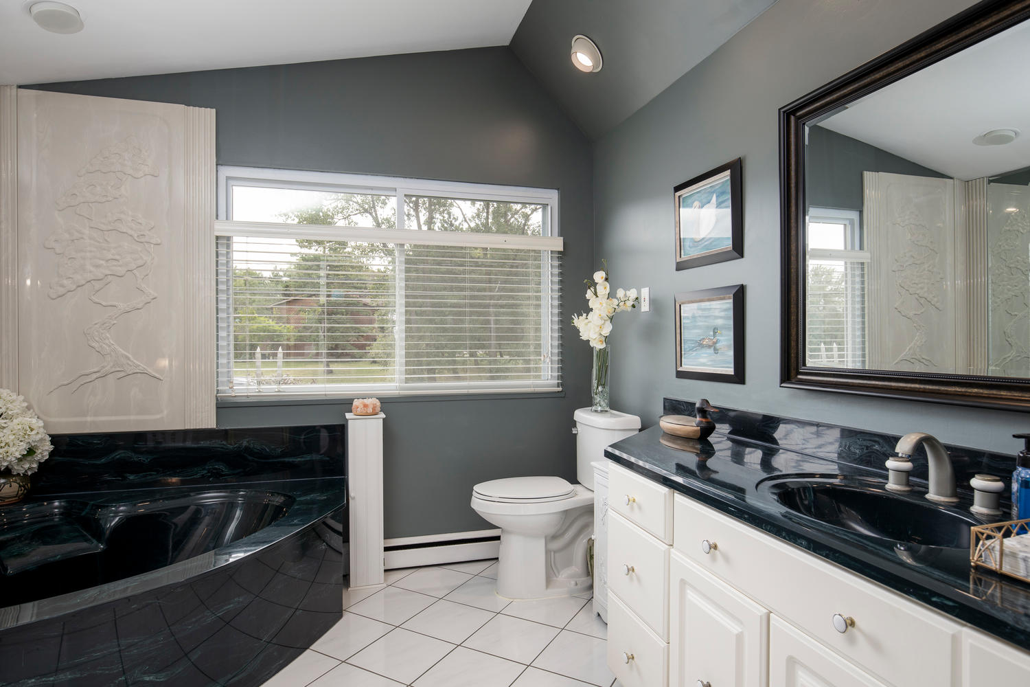 5258 Armor Duells Rd Orchard-large-019-008-Bathroom-1500×1000-72dpi