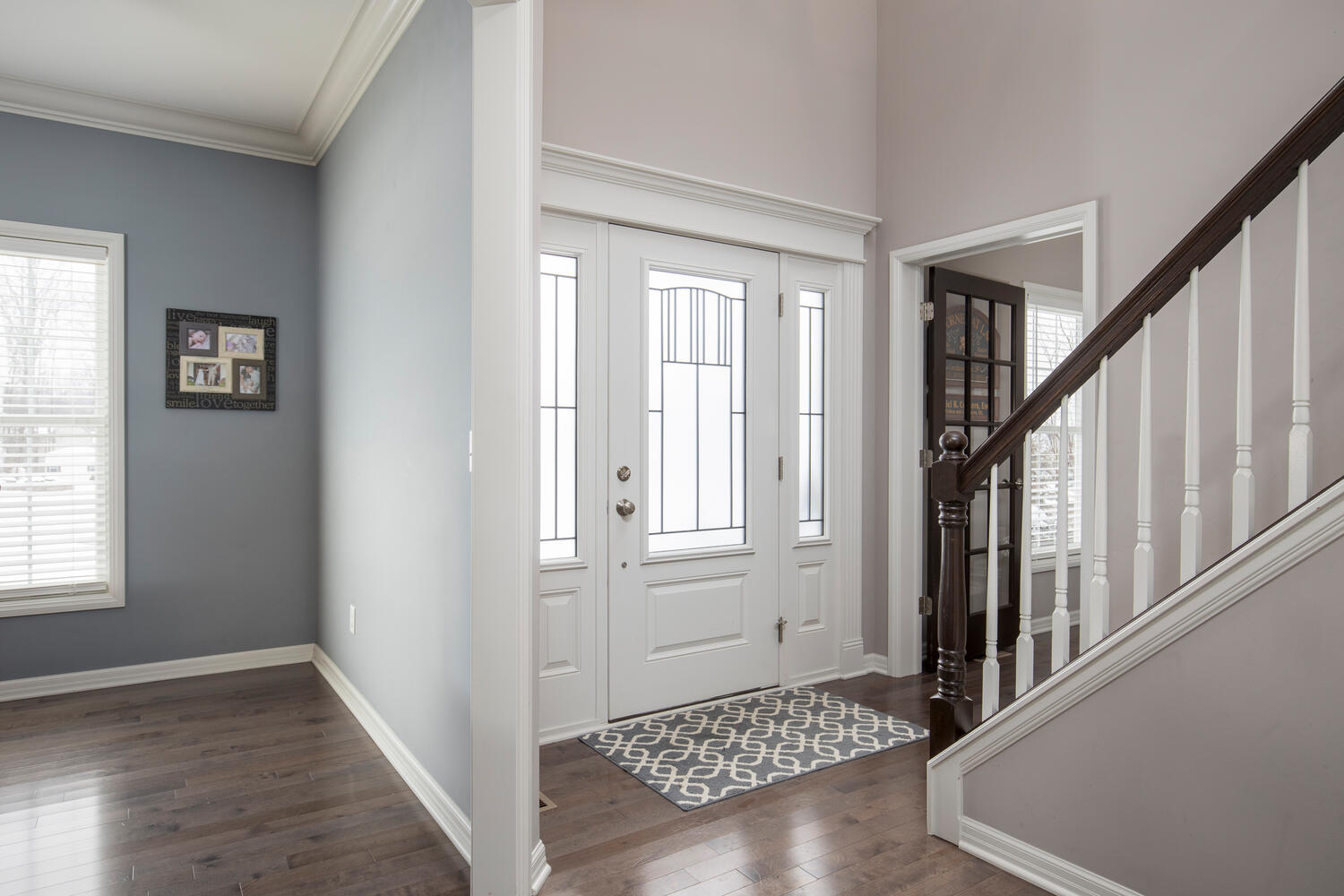 22 Basswood Ln Orchard Park NY-large-003-014-Foyer-1500×1000-72dpi