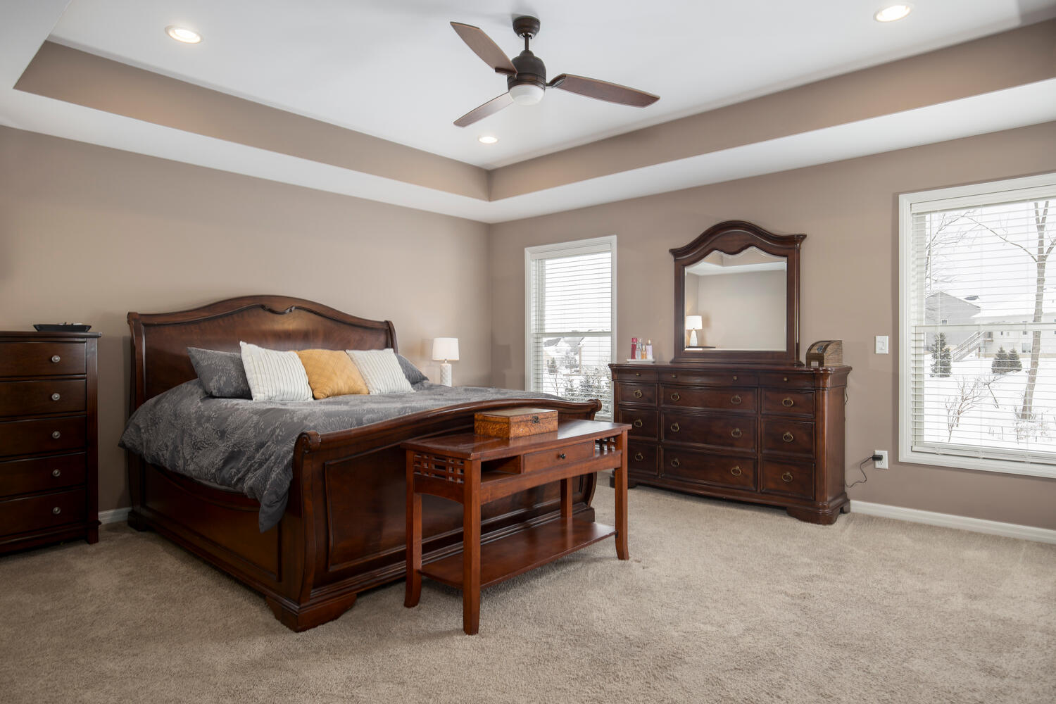 22 Basswood Ln Orchard Park NY-large-014-002-Master Bedroom-1500×1000-72dpi