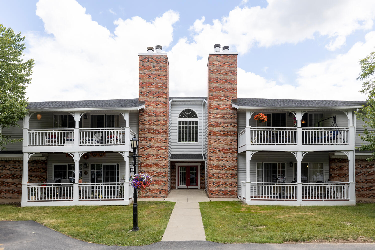 1205 Youngs Rd Unit APT F-large-001-010-Exterior Front-1500×1000-72dpi