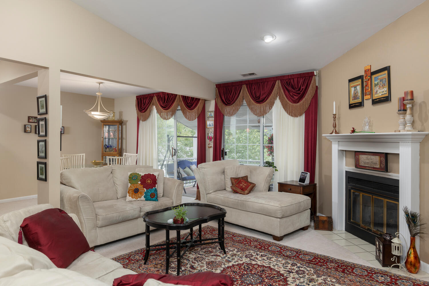 1205 Youngs Rd Unit APT F-large-003-014-Living Room-1500×1000-72dpi