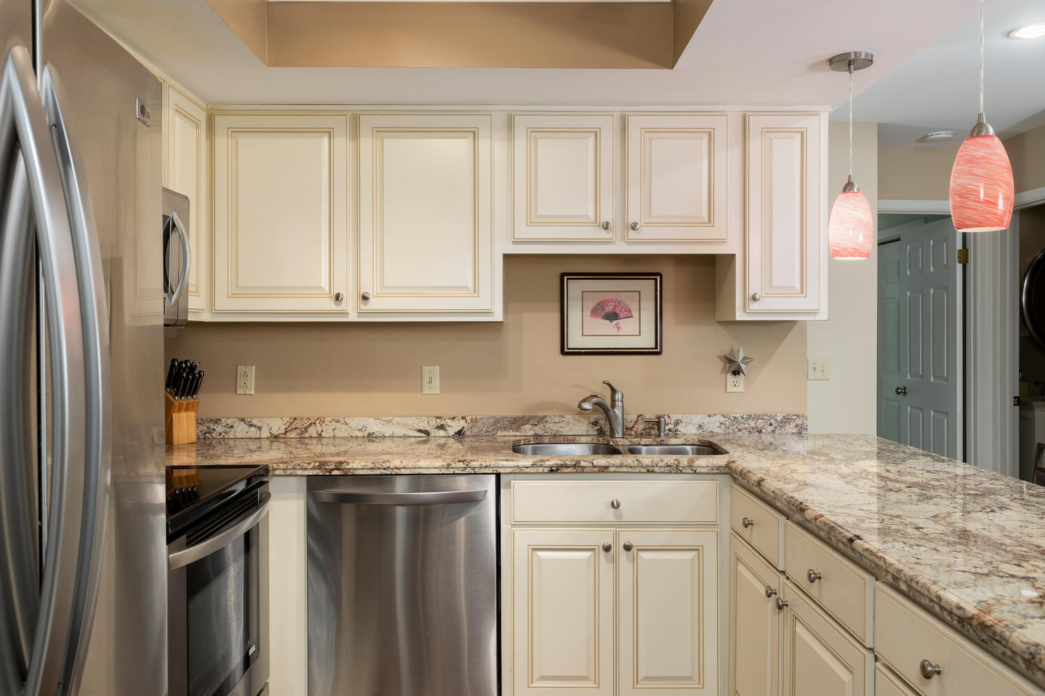 1205 Youngs Rd Unit APT F-large-008-011-Kitchen-1500×1000-72dpi