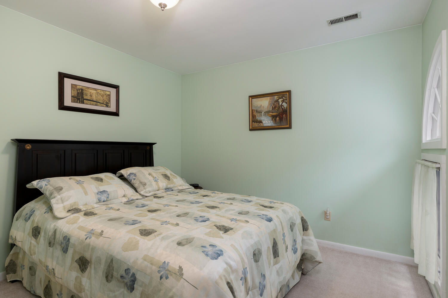 1205 Youngs Rd Unit APT F-large-012-001-Bedroom-1500×1000-72dpi